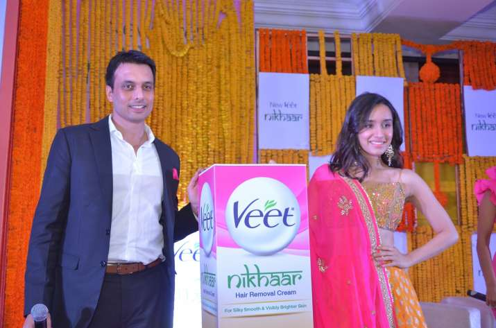 Pankaj Duhan Chief Marketing Officer RB South Asia Health with Shraddha Kapoor at Veet Nikhaar Launc- India TV Paisa