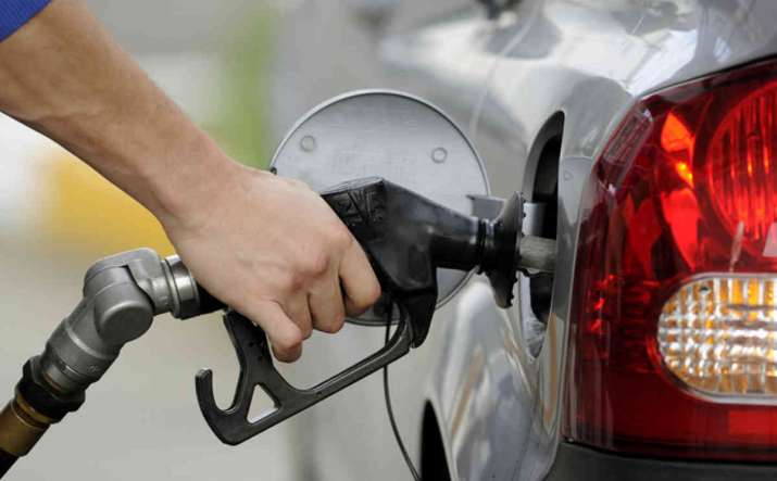Diesel price touches new record - IndiaTV Paisa