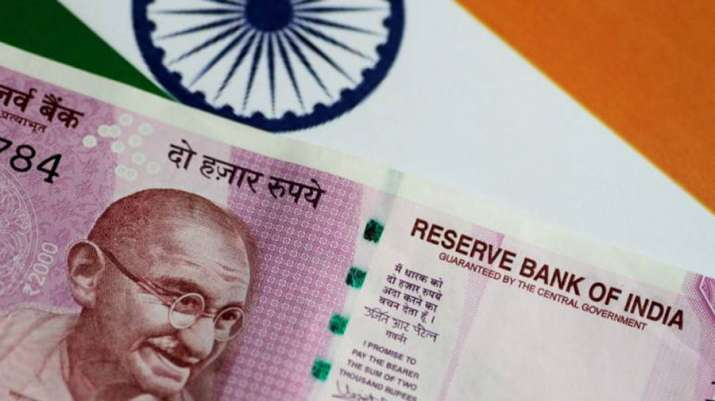 Rupee fall to 5 month low- India TV Paisa