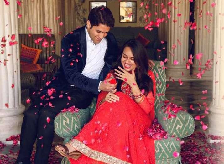 tina dabi and athar amir- India TV
