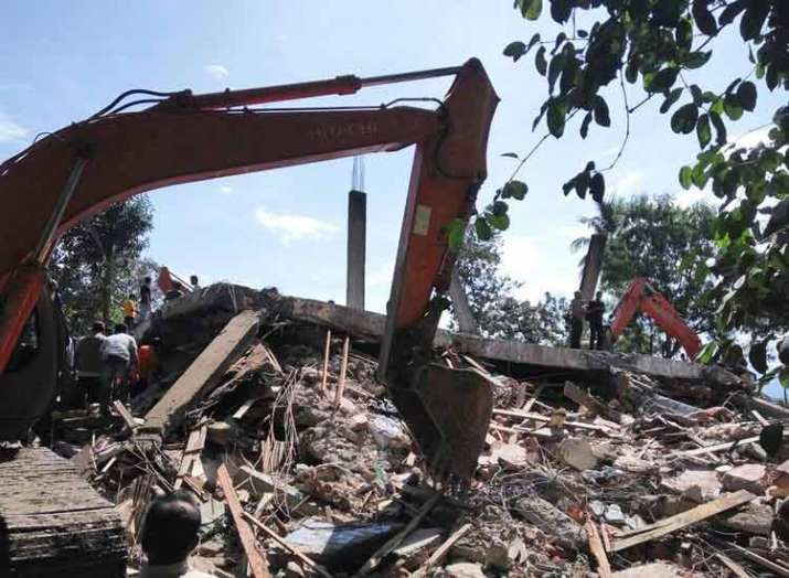 building collapse in Indonesia 7 die including 6...- Khabar IndiaTV