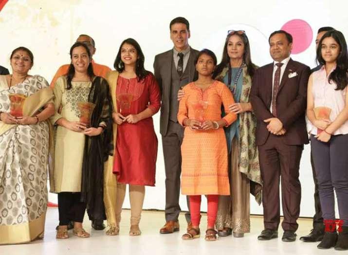 akshay kumar and shabana azmi- India TV