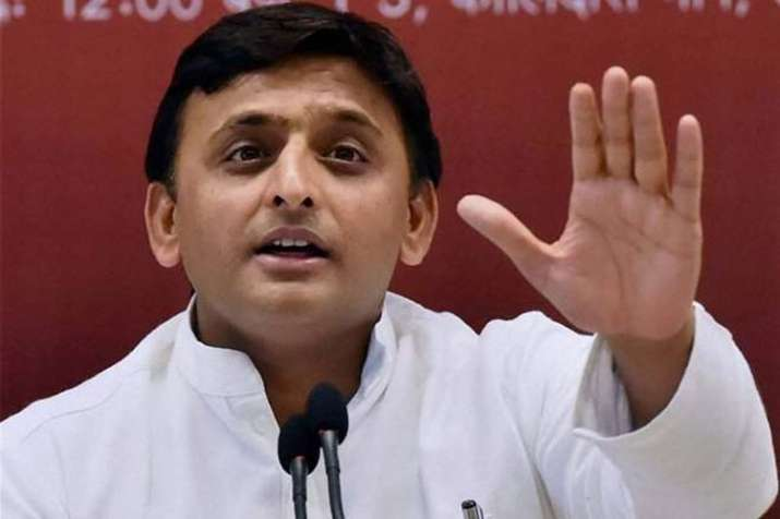 Akhilesh Yadav questions EVM amidst polling in Kairana and Noorpur bypolls | PTI- India TV
