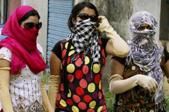 Uttar Pradesh continues to reel under heat wave, temperature rise around 47 degrees Celsius | PTI- India TV