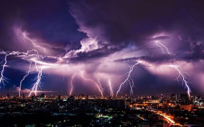 How to Protect Yourself From a Thunderstorm- India TV Paisa
