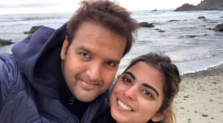 Mukesh Ambanis daughter Isha Ambani gets engaged to Anand Piramal- IndiaTV Paisa