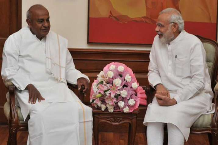 Amid Karnataka political tussle, PM Modi greets HD Deve Gowda on birthday- Khabar IndiaTV