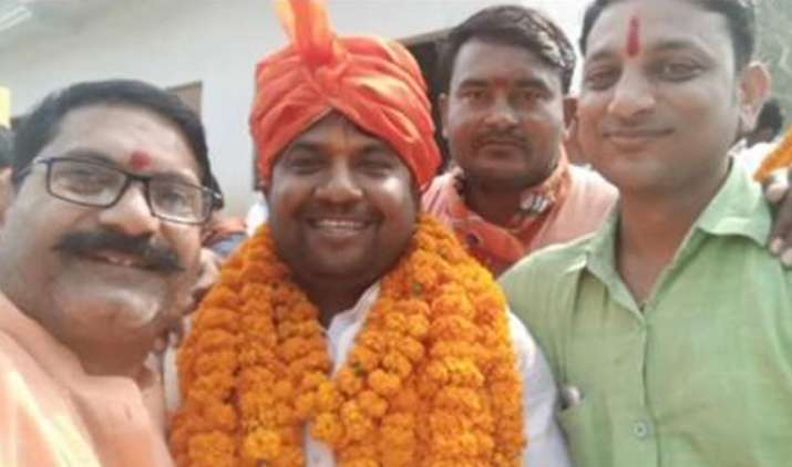 BJP leader Pawan Kesari shot dead in Allahabad- India TV