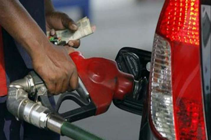Rise in Petrol and Diesel price continued for 8th day on Monday- India TV Paisa