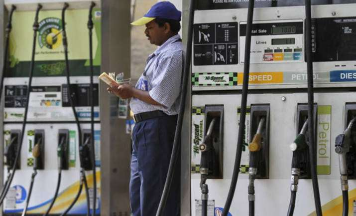 Oil companies again rise petrol and diesel price on Thursday- India TV Paisa
