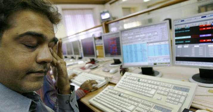 Sensex and Nifty falls - IndiaTV Paisa