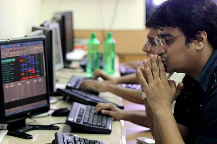 Sensex and Nifty fall - India TV Paisa