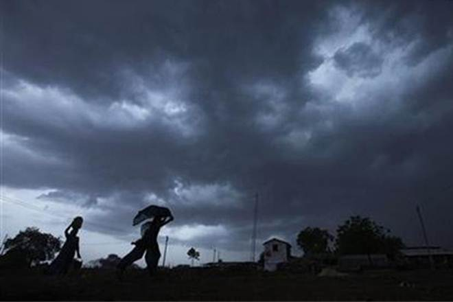 IMD alert on thunderstorm and squall- India TV Paisa