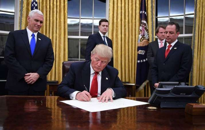 Donald Trump announces US withdrawal from Iran nuclear deal, reimposes sanctions- India TV