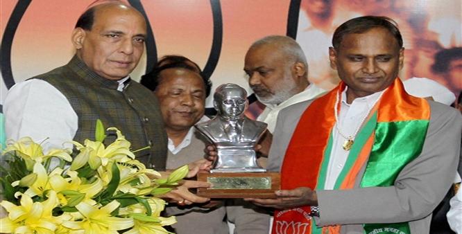 भाजपा सांसद उदित...- India TV