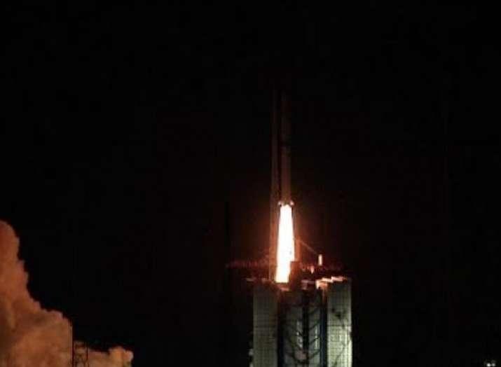 China launches relay satellite to explore Moon far...- India TV