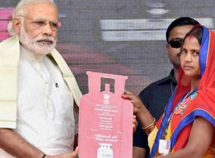 PM Modi to interact with beneficiaries of Ujjwala...- India TV