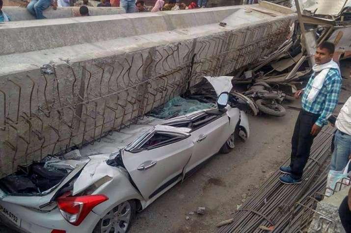 under-construction flyover collapses in Varanasi- India TV