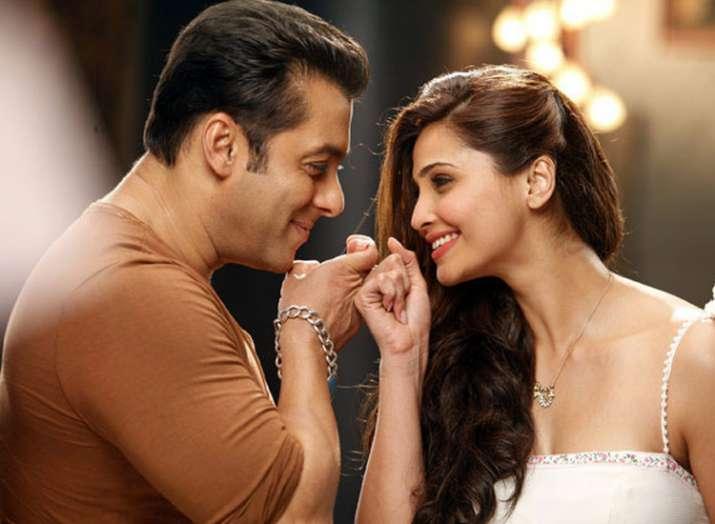 Salman Khan Daisy Shah Race 3- India TV