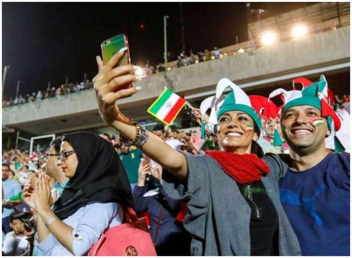 पहली बार स्टेडियम...- India TV
