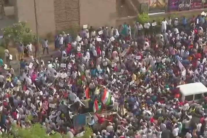 Aam Aadmi Party begins protest from Mandi House to PM residence | ANI- India TV