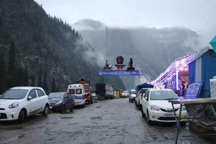 खराब मौसम के चलते अमरनाथ यात्रा रोकी गई, मौसम विभाग ने अगले 48 घंटे बारिश की संभावना जताई- India TV
