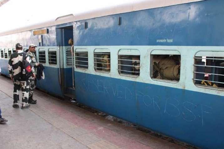 जवानों को जम्मू ले जा रही ट्रेन से BSF के 10 जवान लापता, केस दर्ज- India TV