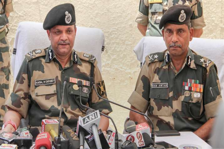 """Indian forces have maintained sanctity of ceasefire pact, but Pak firing a """"betrayal"""": BSF official - Khabar IndiaTV"""