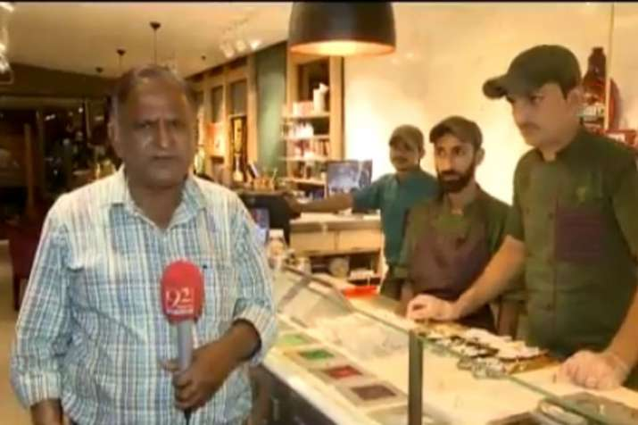 Reporter Chand Nawab from Pakistan is back with another hilarious video | Screengrab- India TV