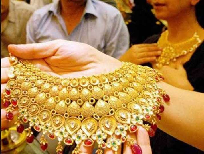 Analyst view on gold prices till Diwali- IndiaTV Paisa