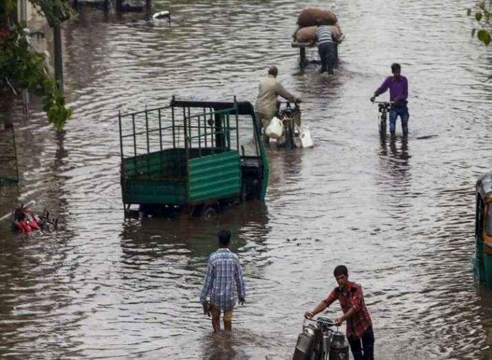 Heavy rains lash south Gujarat- India TV