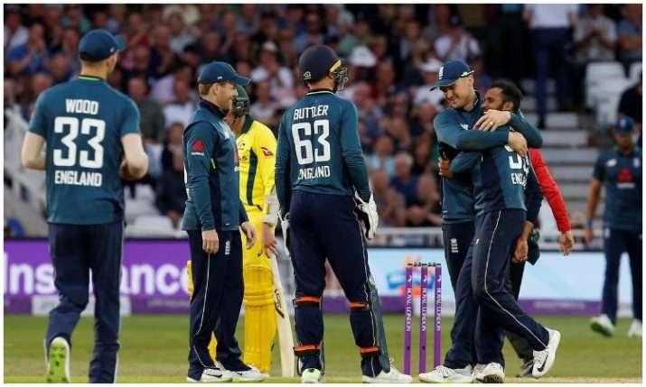 इंग्लैंड की टीम- India TV
