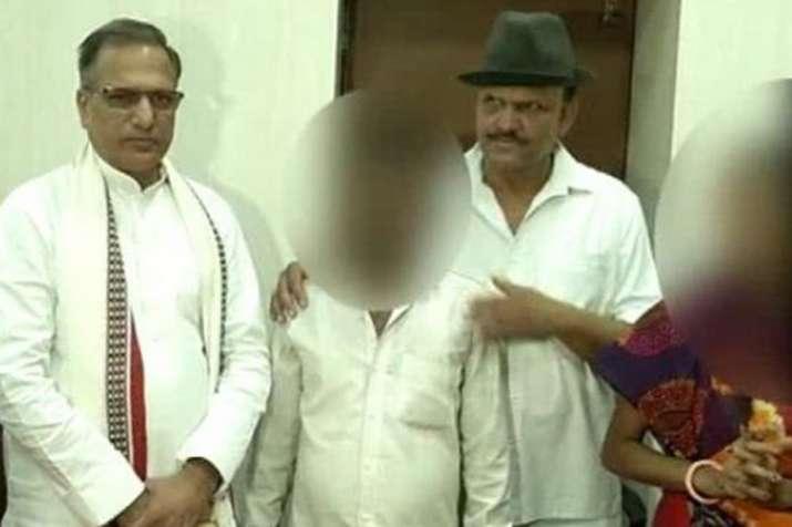 मंदसौर गैंगरेप: बीजेपी विधायक के शर्मनाक बोल, कहा-सांसद साहिब को धन्यवाद दीजिए- India TV