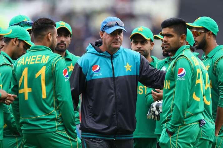 विश्व कप के बाद अपने कोच मिकी आर्थर और मुख्य चयनकर्ता इंजमाम को हटा देगा पाकिस्तान- India TV