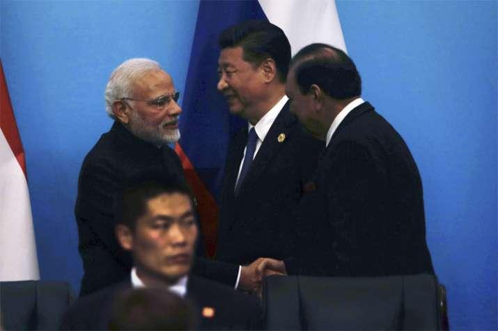 प्रधानमंत्री नरेंद्र मोदी, शी जिनपिंग और ममनून हुसैन| PTI- India TV