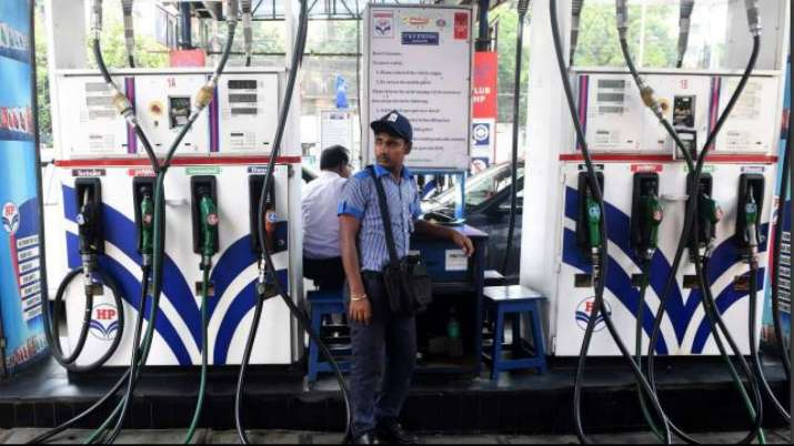 Oil companies cut petrol price on Tuesday- India TV Paisa
