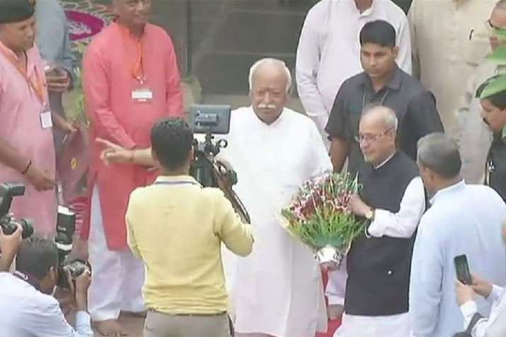 Pranab Mukherjee visits RSS founder Hedgewar birthplace, calls him 'great son of mother India'- India TV