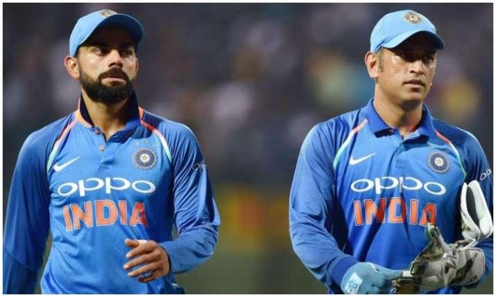 एम एस धोनी और विराट...- India TV