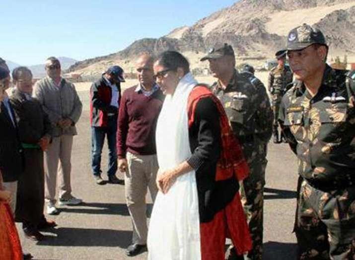 nirmala sitharaman visit baltal base camp- India TV