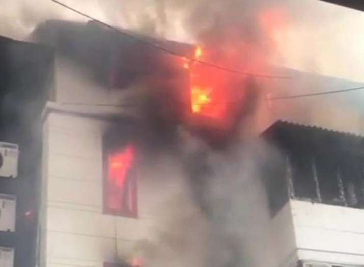 Mumbai Fire in building at Charni Road one dead- India TV