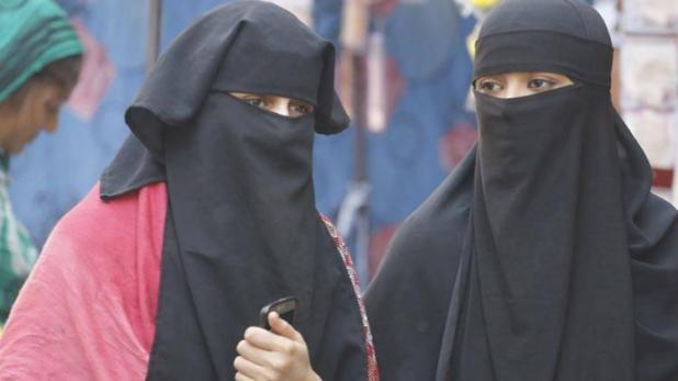 उत्तर प्रदेश: बरेली जामा मस्जिद के इमाम ने तीन तालक पीड़िता निदा खान के खिलाफ फतवा जारी किया- India TV