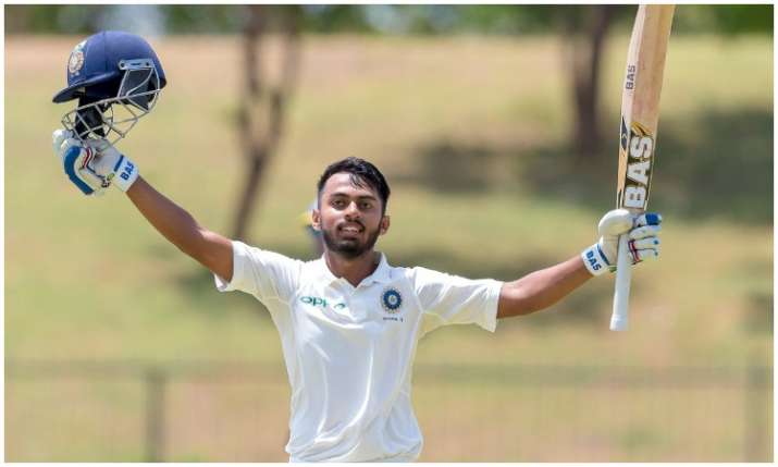 पवन शाह ने 282 रनों की...- India TV