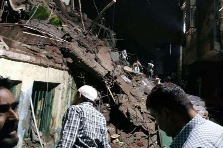 महाराष्ट्र: भिवंडी में तीन मंज़िला इमारत का हिस्सा गिरा, एक महिला की मौत- India TV
