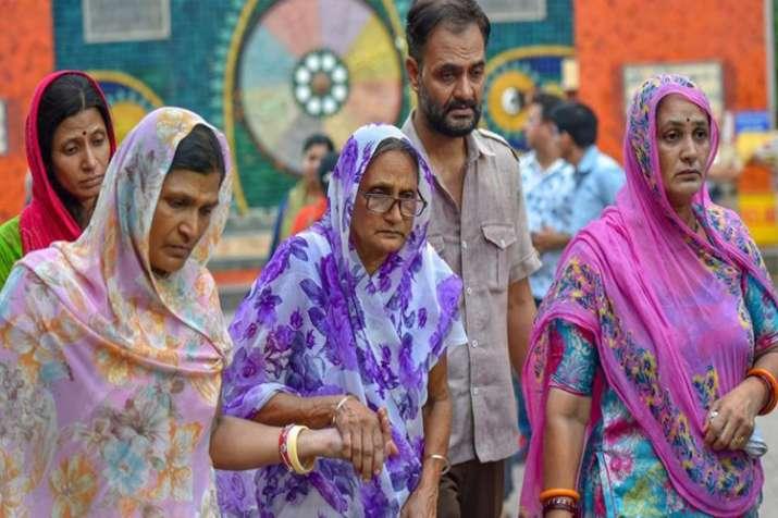 बुराड़ी कांड: 20 पन्नों में 11 मौत का 'कोडवर्ड', सीक्रेट चिट्ठी में बीड़ी वाले तांत्रिक का सच- India TV