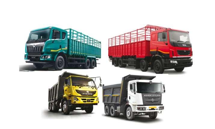 Passenger vehicles export falls more than 7 percent during June quarter- India TV Paisa
