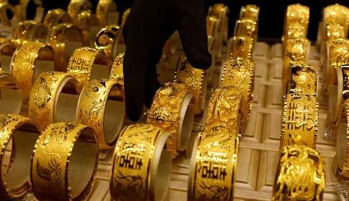 Gold price recovers on Monday - India TV Paisa