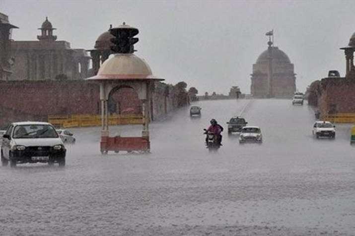 दिल्ली, एनसीआर में झमाझम बारिश, गर्मी-उमस से मिली राहत- India TV