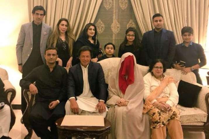 Imran Khan's wife Bushra Maneka congratulates nation on PTI victory | AP- India TV
