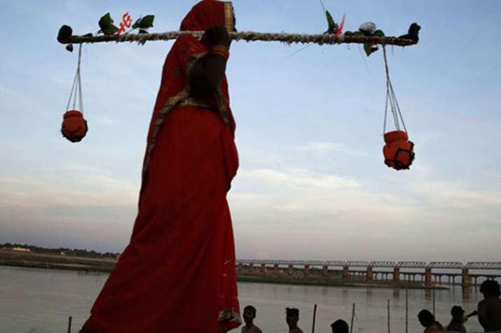 उत्तर प्रदेश: कांवड़ यात्रा के दौरान मांस-मदिरा की बिक्री पर प्रतिबंध- India TV