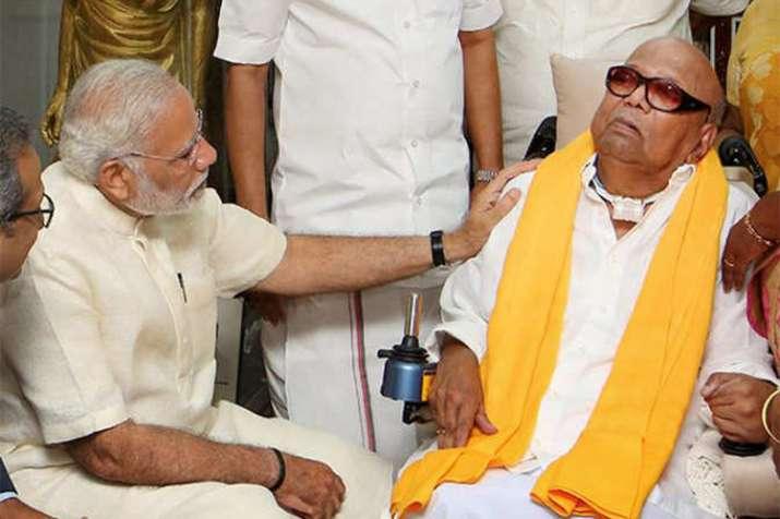 DMK अध्यक्ष एम करुणानिधि की तबीयत बिगड़ी, PM मोदी ने फोन कर पूछा हालचाल- India TV